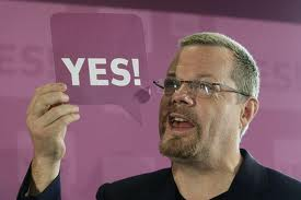 Eddie Izzard says Yes to AV