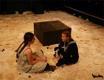 Flora (Emily Morley) and Hilda (Caitlin Fitton)