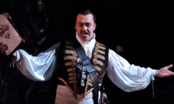 David Kempster as Don Giovanni. Photograph by Robbie Jack/Corbis