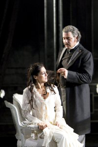 Welsh National Opera - La Traviata
